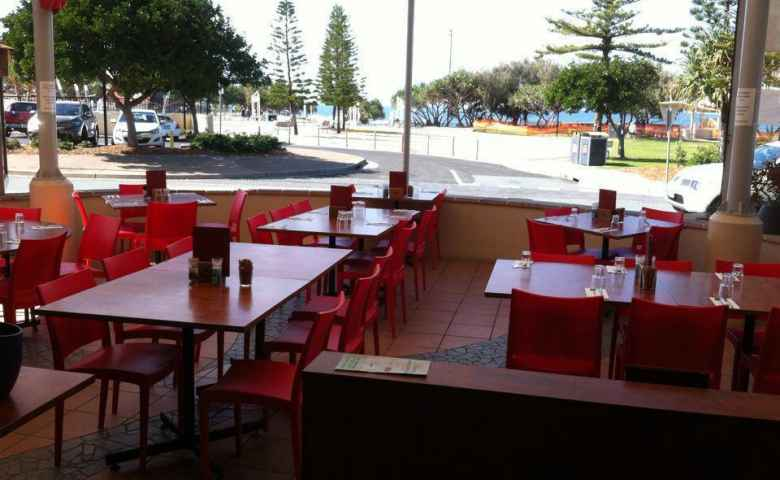 Domenico's on Kings also offer views of the beautiful Kings Beach and parkland across the road.