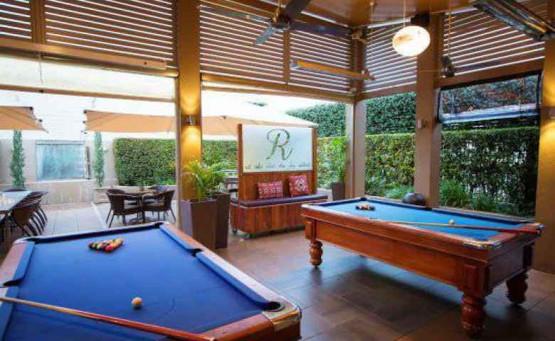 Indoors, outdoors and entertainment everywhere at O'Sheas Royal Hotel in Goondiwindi